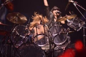 YOSHIKIとToshlの熱いコラボシーン 横アリ2Days公演