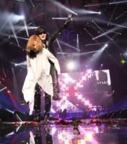 """【エンタがビタミン♪】X JAPAN・MSGライブで""""YOSHIKIがToshlをおんぶ""""。25周年の思いが詰まったステージにファンも涙。"""