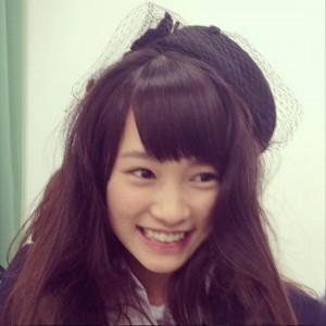 海老沢を「チャラ眉毛」と呼んだ神保愛(川栄李奈)(画像はinstagram.com/gomenne.88より)