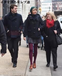 【イタすぎるセレブ達】テイラー・スウィフト、超キュートな冬ファッションとイケメン弟が話題に。