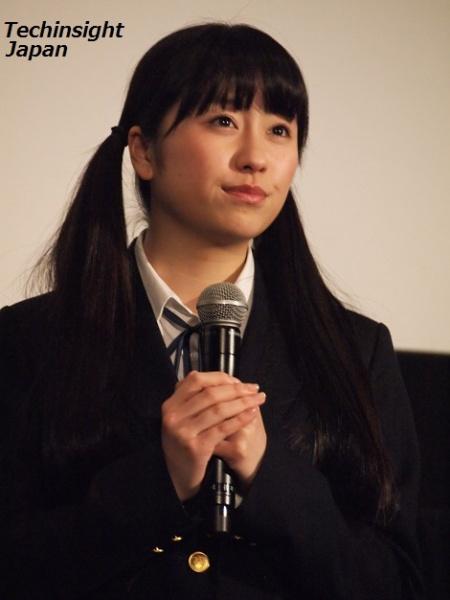 佐々木彩夏は一年後輩でしっかり者の明美ちゃん役