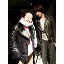 【エンタがビタミン♪】篠田麻里子と渡辺えりが打ち合わせ。「何かを計画中」と期待させる。