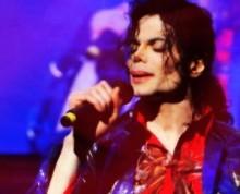 【イタすぎるセレブ達】故マイケル・ジャクソンが整形を繰り返した理由。「父の容姿に似ないため」だった?