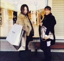 【エンタがビタミン♪】蜷川実花が漫画家・東村アキコさんとアウトレットへ。ママ友軍団でお買い物。