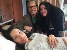 【イタすぎるセレブ達】スティーヴン・タイラー、娘リヴの第2子出産に感動。「赤ん坊のように泣いてしまった」