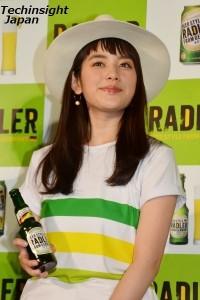 Wサプライズパーティに感激 筧美和子