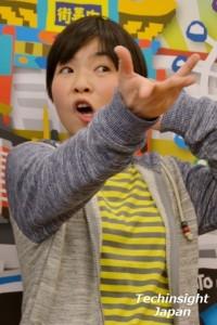 公演をアピールする 山田花子