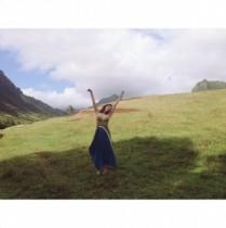 【エンタがビタミン♪】長谷川潤がハワイの大自然と一体化。『サウンド・オブ・ミュージック』のような1枚を披露。