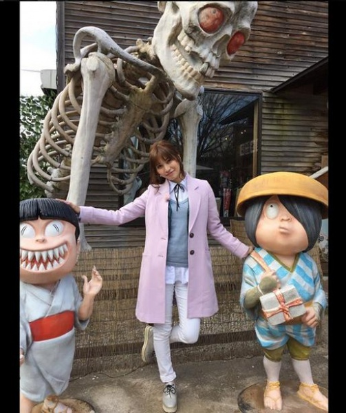 """【エンタがビタミン♪】大島麻衣が""""妖怪""""に囲まれる。鬼太郎や猫娘が意外にリアル。"""