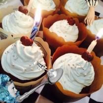 【エンタがビタミン♪】益若つばさ、息子のためにカップケーキを手作り。見事な出来栄えに「お店のみたい!」