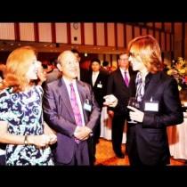 【エンタがビタミン♪】YOSHIKI、ケネディ駐日大使や藤崎一郎氏と談笑。「凄い世界」「さすがです」と驚きの声。