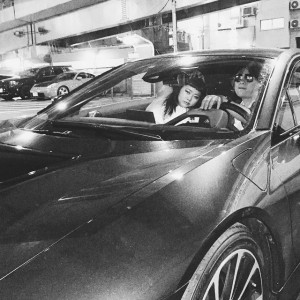 """【エンタがビタミン♪】渡辺直美、ノブコブ・吉村と""""例の車""""でデート。超高級車でもダサさは変わらないと指摘。"""