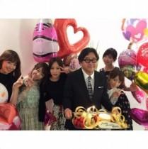 """【エンタがビタミン♪】AKB48の""""初期メン""""が秋元康の誕生日をお祝い。""""最強メンバー集結""""にファンも感無量。"""