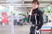 【エンタがビタミン♪】南明奈がレーシングスーツ姿で久々のカート。満足そうな笑顔に「ハートを撃ち抜かれる」