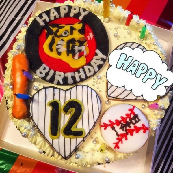 """【エンタがビタミン♪】千秋、愛娘の誕生日に""""阪神愛""""が詰まったオーダーメイドケーキをプレゼント。"""