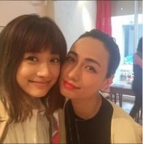 """【エンタがビタミン♪】ヨンアの微笑に佐田真由美が「やばい」。""""美女×美女""""のショットに反響。"""