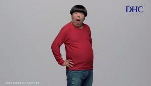 """【エンタがビタミン♪】バナナマン・日村が""""脱皮""""する新CM。「コミカルな演技でスタジオが明るく一丸に」"""
