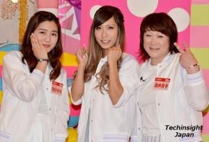 アイドルの仲間入りを果たしたアイドリング!!!の新規メンバー 左から朝日るな、橋本夏希、酒井芳子