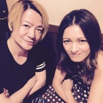 【エンタがビタミン♪】GLAY・TAKUROの妻、岩堀せりがTERUの誕生日をお祝い。「凄いツーショット!」と反響。