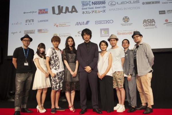 『家族ごっこ』の斎藤工、鶴田真由をはじめとするキャスト・監督