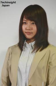 記者会見には広報課の衣装で登場した 有村架純