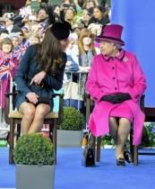 【イタすぎるセレブ達】エリザベス女王、キャサリン妃を怠け者とみなす?
