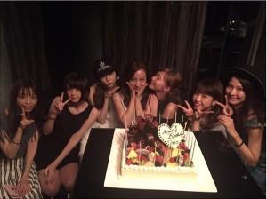【エンタがビタミン♪】板野友美の誕生日会は美女だらけ! ぱるる、さのひなもお祝いに駆けつける。