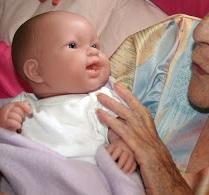【海外発!Breaking News】知的障がいの老女から人形を奪った看護師。損害賠償額は1300万円に(英)