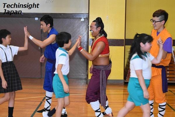 【エンタがビタミン♪】ロバート、小学生150人に特別授業「ちゃんとしたこと言わないと」と笑いは封印!?