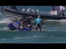 サーフィン界のレジェンド、南アの大会でサメに襲われ猛反撃<動画あり>