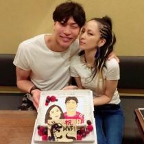 【エンタがビタミン♪】中島美嘉、夫・清水選手のアジア大会MVP&誕生日を一緒お祝い。素敵な夫婦にファンも羨む。