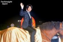 【エンタがビタミン♪】斎藤工、馬に騎乗して登場「北斗の拳の世界。神聖でワクワクした」。普段は茶色のママチャリ。