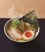 一日に2万人が食べるラーメンが寿司屋にあった! 「はま寿司の旨だし鶏塩ラーメンはなかなかうまい♪」