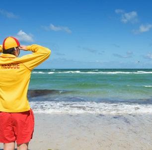 【海外発!Breaking News】男性ライフセーバーの救助を拒んだ父親、娘は溺死。「浮き輪ドローン」なら救えた!?(ドバイ)
