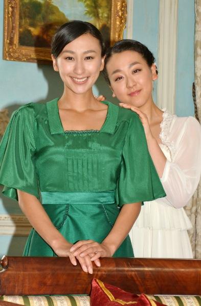 2人揃っての共演は久しぶり 浅田真央と浅田舞姉妹 新CM公開収録にて