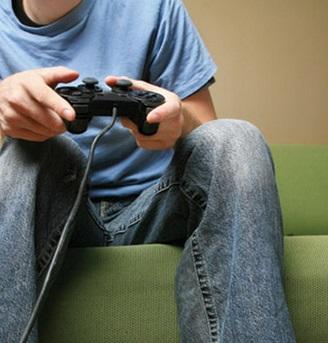 【海外発!Breaking News】22日間ゲーム三昧の少年。エコノミークラス症候群で死亡。(露)