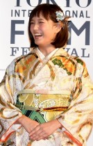 【エンタがビタミン♪】本田翼は艶やかな着物で。北川景子、竹内結子ら東京国際映画祭レッドカーペットで魅了。