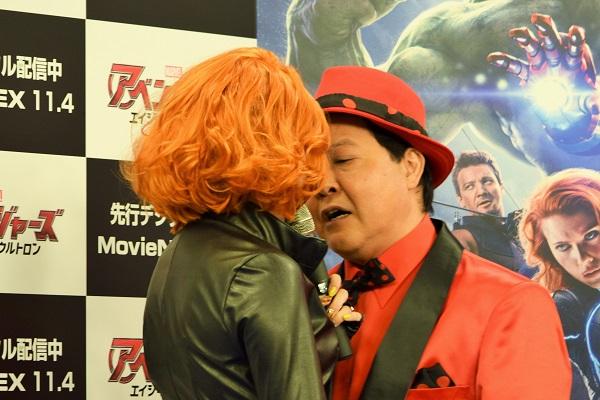 マスク越しにキスをした、ざわちんと上島竜兵