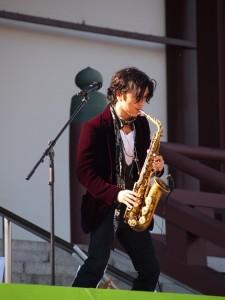 クールな演奏で観客を沸かせた武田真治