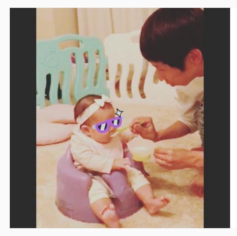 【エンタがビタミン♪】アンガ・山根のイクメン姿にほっこり。娘の離乳食デビューを喜ぶ。
