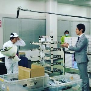 小泉孝太郎(右)、小泉純一郎元首相にそっくり?(画像は『バカリズム Instagram』より)