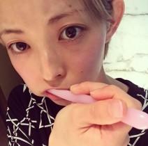 【エンタがビタミン♪】最上もがの歯磨きショットに反響「イケメンとかわいい2個持ちはずるい!」