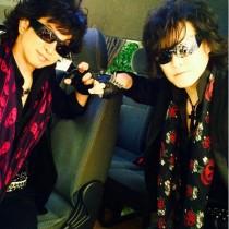 """【エンタがビタミン♪】X JAPAN・Toshlが""""謎のToshl軍団""""リーダーと呼ぶ男。"""