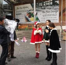 【エンタがビタミン♪】大島麻衣のミニスカ・サンタに「脚細いな~!」韓国ロケでXmasを先取り。