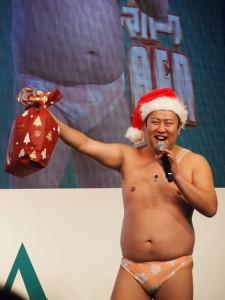これがとにかく明るい安村のクリスマススタイル!