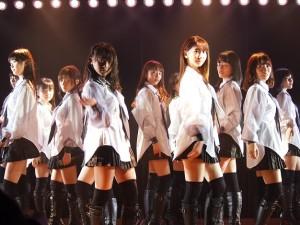 クールにキメたAKB48チームB