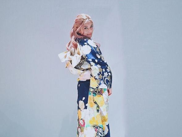 【エンタがビタミン♪】ローラの艶やかな着物姿に「何を着ても似合う!」