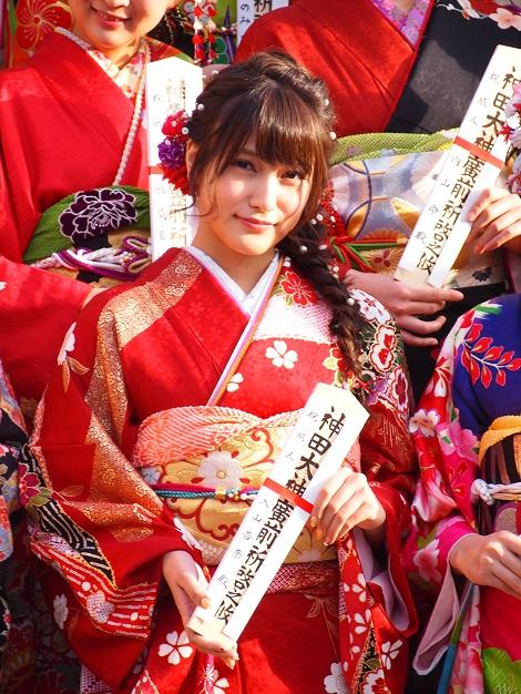 【エンタがビタミン♪】入山杏奈、成人の日に艶やか振袖姿「両親と芋焼酎を飲みました」