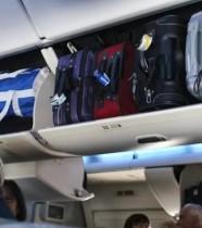 【海外発!Breaking News】「バッグが頭に落ちてきた」男性、むち打ち症で英航空会社を訴える