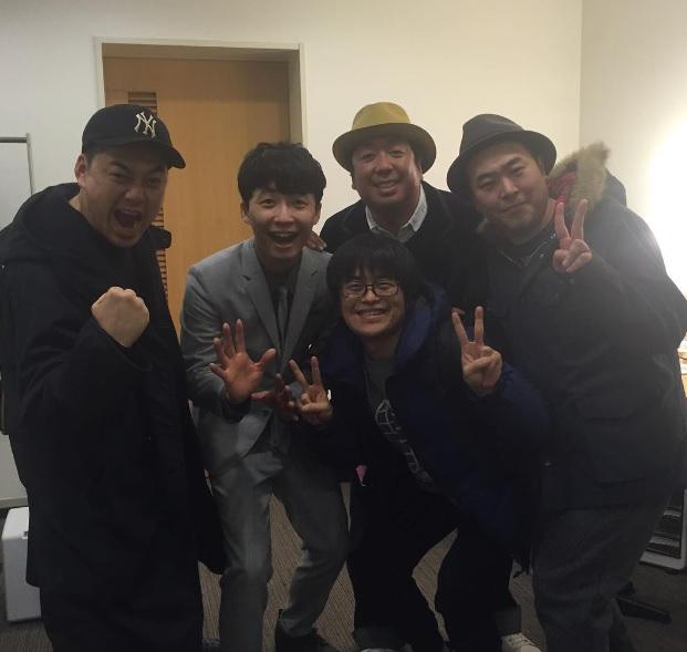 【エンタがビタミン♪】星野源LIVEにバカリズム、バナナマンら参戦 笑顔で集合ショット